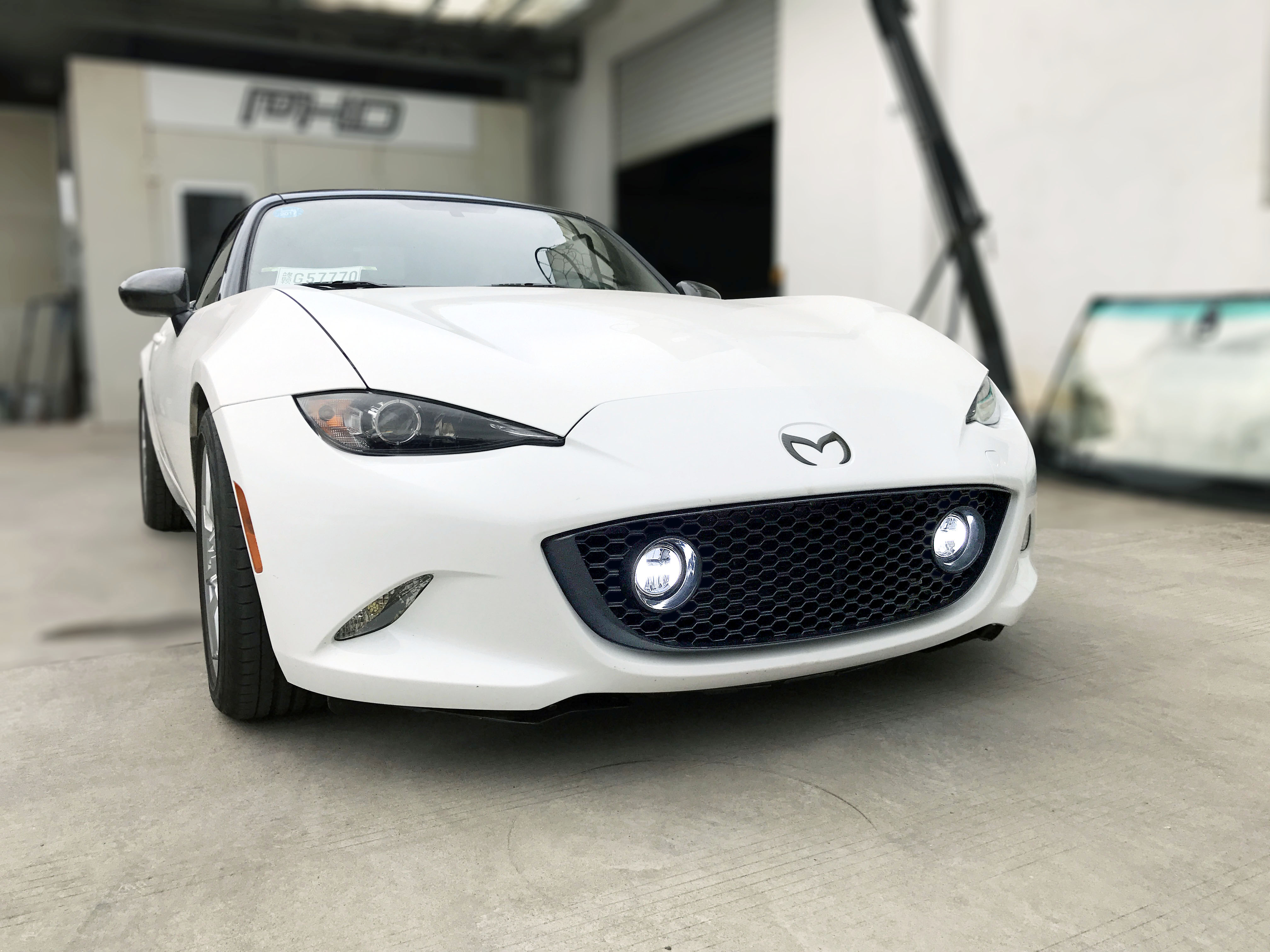 Carbon Miata Spyder Grille With H Style Lights For Mx5nd